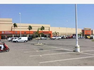Local Comercial En Renta Plaza Patio/ Blvd Puerto Marquez Cayaco