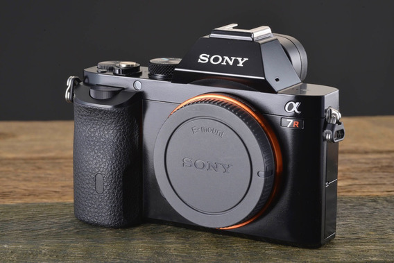 Camera Digital Sony A7r + Grip + 4 Baterias Carregador Duplo