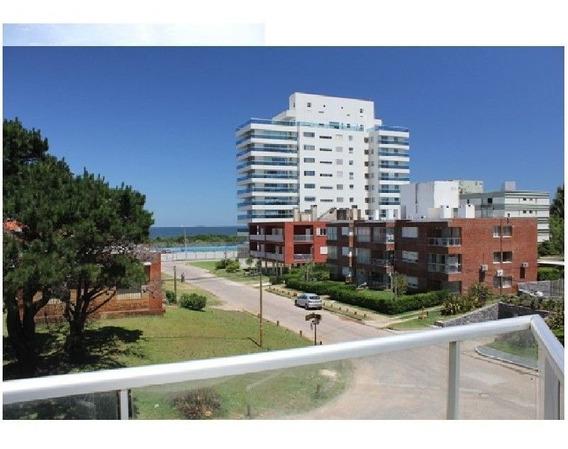 Venta De Apartamento 2 Dormitorios Aidy Grill, Punta Del Est
