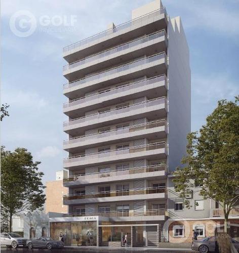 Vendo Apartamento De 1 Dormitorio Con Terraza Al Frente Y Patio, Garaje Opcional, Pocitos Nuevo