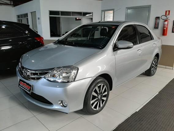 Toyota Etios 1.5 Platinum Sedan Flex 4p Manual