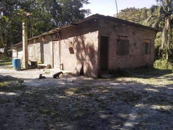 Ampla Chácara Com 03 Dormitórios - Itanhaém 5984 | P.c.x