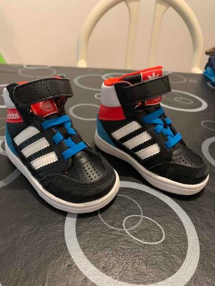 Zapatillas Botitas adidas Niños Talle 19, Igual A Nuevas.