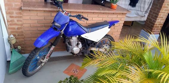 Moto De Trilha Yamaha Com Motor Honda 200