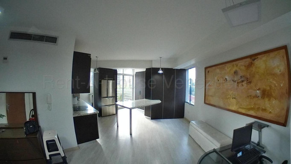 Apartamento En Venta Barquisimeto 20-8784 Rwh 04145450819