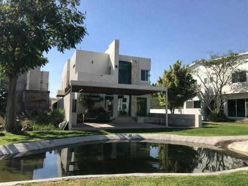 Magnifica Casa En Fraccionamiento En Jiutepec