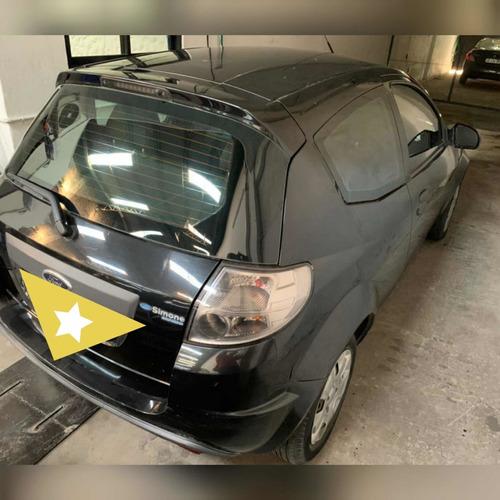 Ford Ka Chocado En Marcha Andano