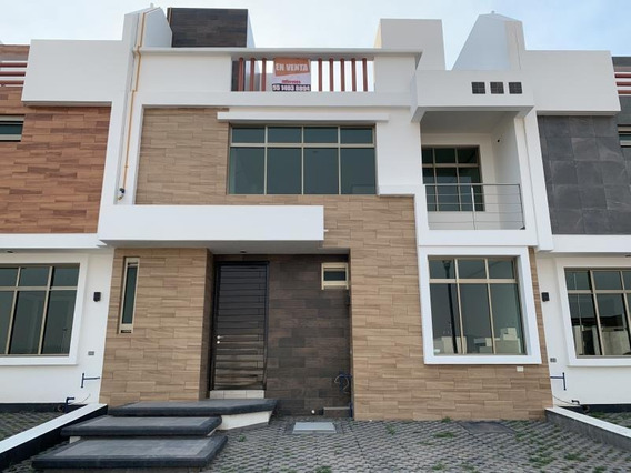 Casa Sola En Venta Equipada. 3 Niveles Con Terraza, Hermosa Vista Frente A Área Verde.