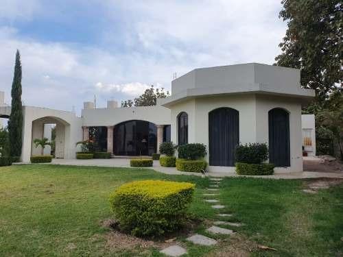 Casa En Renta Fraccionamiento El Palomar.