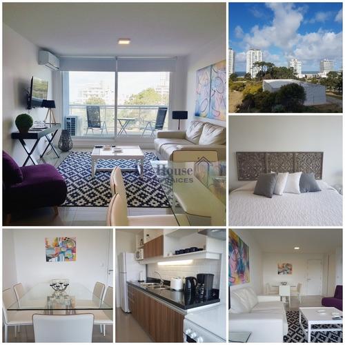 Apartamento De 1 Dormitorio En Torre One, A Metros Del Mar- Ref: 260