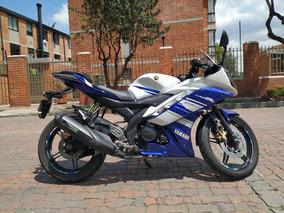 Yamaha R15 Blanca Azul