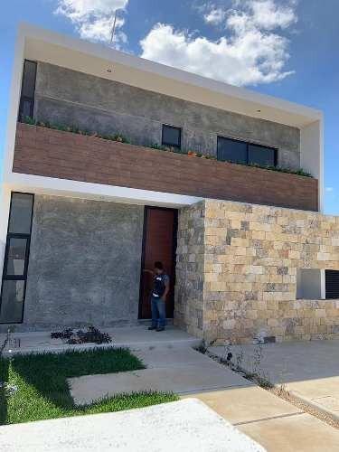 Hermosa Casa En Venta, Praderas Del Mayab, 2 Recamaras Y Piscina, Mérida,yucatán
