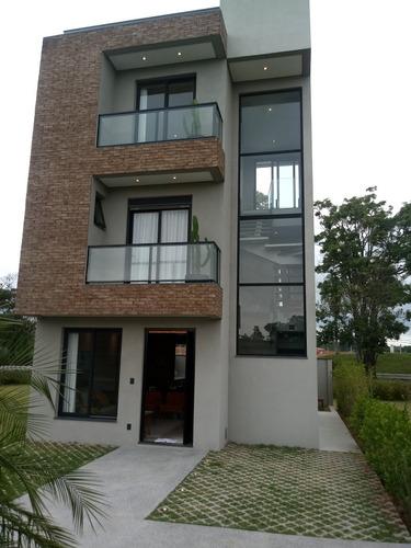 Casas Triplex Na Granja Viana