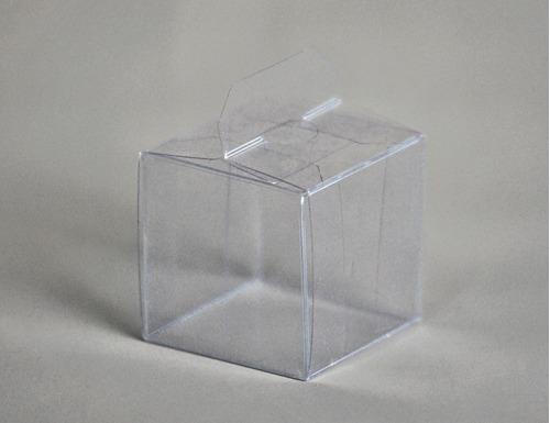 Imagen 1 de 4 de Caja Cubo Pvc Cristal 6x6x6 Cm (x100) Souvenir Macarons 102c
