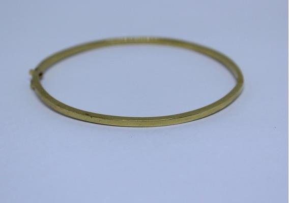 Pulseira Em Ouro 18 K Forma Rígida Pesada Com 5,5 G 18 Cm