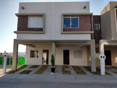 Preciosa Casa En Paseos Del Sol Residencial, 3 Recamaras, 2.5 Baños, Alberca..