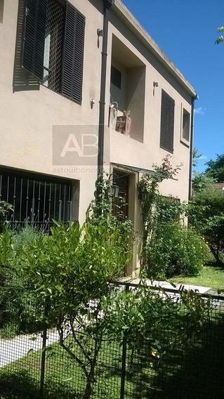 Casa En Dos Plantas 3 Dormitorios 3 Baños. Muñiz Bella Vista