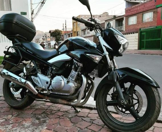 Suzuki Inazuma 250 Modelo 2017 ¡ Como Nueva ! Muy Consentida