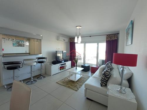 Apartamento En Oportunidad Península, 2 Dormitorios *- Ref: 2941