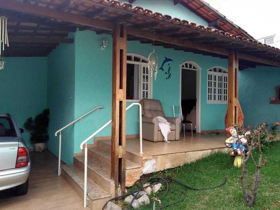 Ótima Casa Com 03 Quartos Em Excelente Localização. - 21576