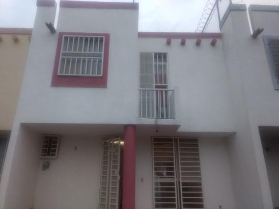 Casa En Venta En Fracc. Misión Capistrano Zapopan.