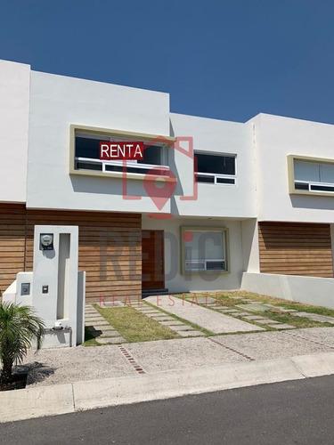 Imagen 1 de 30 de Casa De 3 Hab. En Valle De Juriquilla