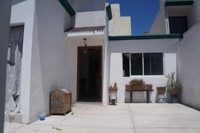 Casa A La Venta En Arboledas Tepehitec
