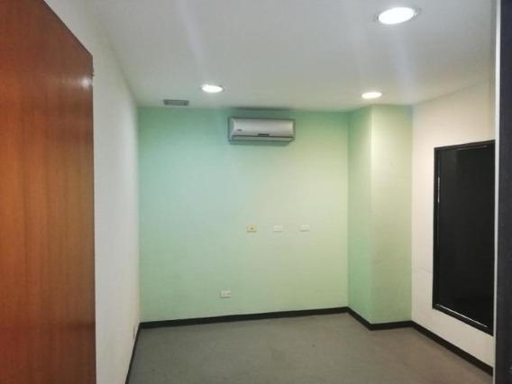 Consultorio En Alquiler Cabudare 19-4038 Telf: 04120580381