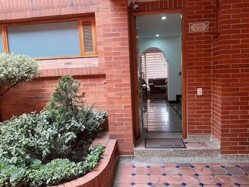 Casas En Venta Colina Campestre 642-5016