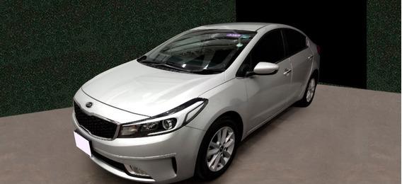 Nissan Versa Drive Mt Ac 1.6l Plata 2019