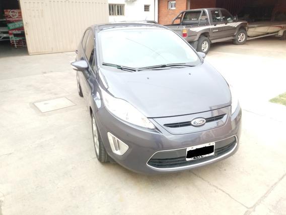 Vendo Ford Fiesta Kd Titanium Mod 2013