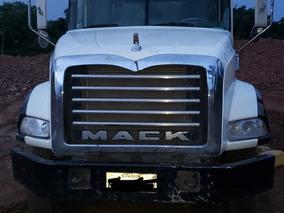 Volqueta Mack 2009