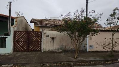 Ótima Casa Localizada Em Bairro Comercial - Itanhaém
