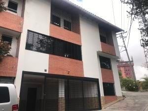 20-10112 Bellisimo Town House En Carrizal