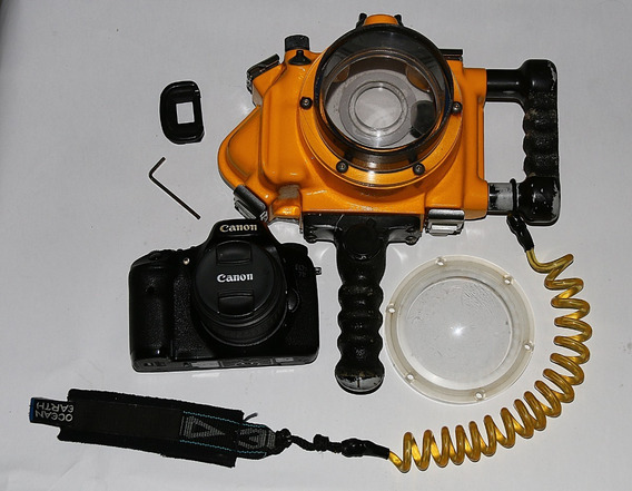 Caixa Estanque Aquatech + 7d + Canon 18-55m