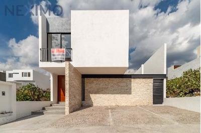 Casa De Diseño En Venta Lomas De Juriquilla