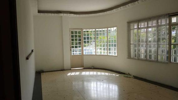 Se Alquila Oficina/casa 100 M2 Cnas De Bello Monte