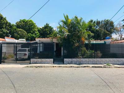 Casa En Venta En Urb Los Samanes Oportunidad De Compra