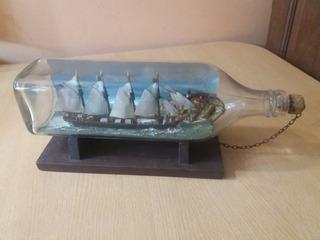 Barco Velero En Botella De Vidrio Antiguo