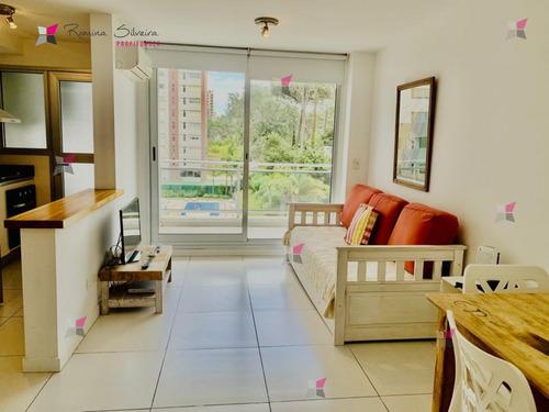 Departamento De 1 Dormitorio En Edificio Bellagio, Punta Del Este- Ref: 9659