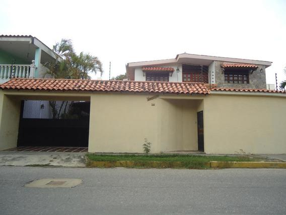 Casa En Venta En Club Hipico Las Trinitarias, Barquisimeto