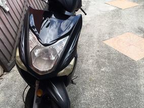 Scooter Um 2014. Al Día.
