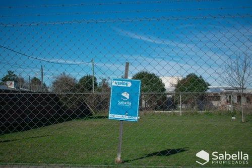 Venta De Lote En Esquina, La Plata.