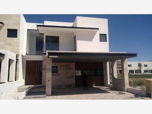 Casa En Venta En Altozano La Nueva Laguna