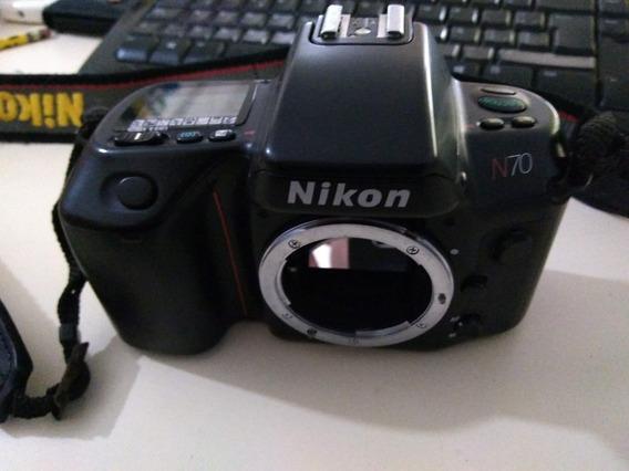 Camara Nikon N70