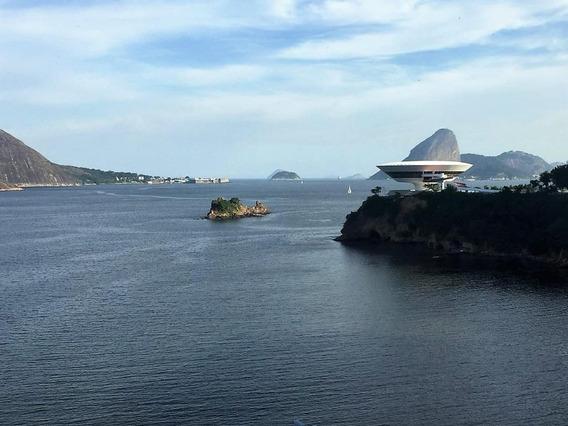 Belíssimo Apartamento Na Praia João Caetano. Varanda Com Vista Para O Mar E Museu, 4 Quartos. - Ap2344