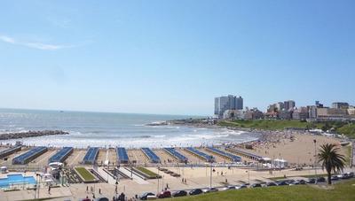 Departamento Frente Al Mar Con Vista Parcial Y Cochera