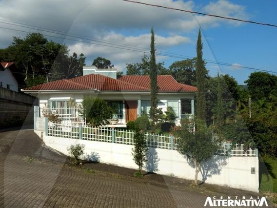 Excelente Casa, Semi Mobiliada Fino Acabamento, No Centro De Rio Dos Cedros Sc. Preço De Ocasião. - 9009