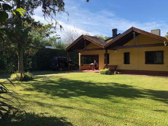 Casa En 416/150 Y 151 Arturo Segui - Alberto Dacal Propiedades