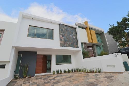 Casa En Venta En Morelia Altozano